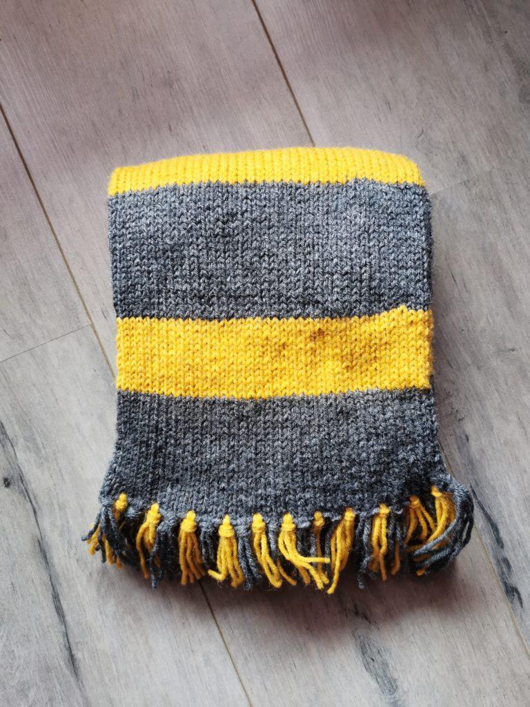 écharpe Poufsouffle tricot
